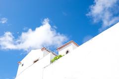 Mediterranean architecture ( Angeles Antolin ) Tags: angeles antolin hoyos portugal mediterraneanarchitecture blueandwhite sky marvo