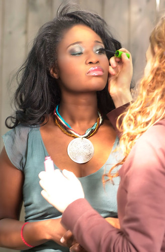 Queen Sabine Getting Ready For The Shoot