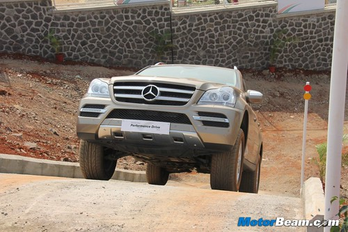 Mercedes-Performance-Drive-2013-15
