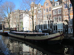 Amsterdam woonboot Raamgracht (Arthur-A) Tags: netherlands amsterdam boot boat canal ship sale nederland houseboat gracht schip verkoop woonboot