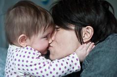 Buon San Valentino, Piccolezza. (Ramocchia) Tags: love childhood hug san alice newborn amore valentinesday valentino 113 abbraccio pezzettino neonato ramocchia piccolezza dhj