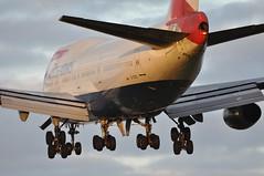 [07:38] BA0042 CPT-LHR. (A380spotter) Tags: heathrow landing finals 400 ba boeing approach britishairways 747 lhr baw threshold iag egll 27r runway27r shortfinals gcivd cptlhr internationalconsolidatedairlinesgroupsa ba0042