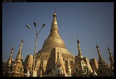 _M240_L1003532 copy (mingthein) Tags: life leica people architecture temple pagoda bokeh availablelight buddha shwedagon yangon burma buddhist m summicron myanmar ming reportage rangoon 240 typ 282 onn asoh thein photohorologer 282asph mingtheincom