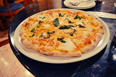 Margherita Pizza at the Hilton (plenty of flour) Tags: japan tokyo shinjuku pizza  margherita nishishinjuku   hiltontokyo    nishishinjuku