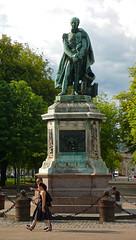 Cours Léopold - Statue du général Drouot (christophemo) Tags: nancy villedenancy lorraine france place carnot coursléoplod statue drouot général meurtheetmoselle panasonic lx2