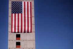 South Boston - difice 3 (luco*) Tags: tatsunis damrique amrique united states usa nouvelle angleterre new england massachusetts boston south difice drapeau flag america building