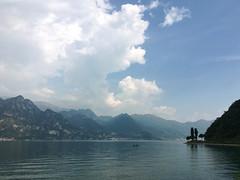 (Paolo Cozzarizza) Tags: italia lombardia bergamo parzanica acqua lago lungolago riflesso panorama cielo alberi