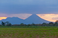 P1290261- Le volcan Arenal - Route vers Arenal   16 mars 2016 (petite106) Tags: costarica volcan volcanarnal