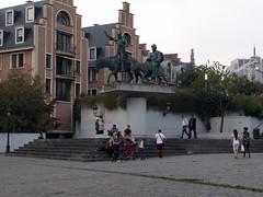 IMG_20160922_185400 (paddy75) Tags: belgië brussel spanjeplein donquichot sanchopanza standbeelden