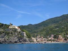 Cinque Terre, Monterosso (Kurtsview) Tags: italy cinque terre monterosso village mediteranean mountains sea unesco