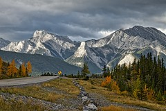 Kananaskis Fall Highway 40 (John Andersen (JPAndersen images)) Tags: alberta clouds fall fullmoon harvestmoon highway40 kananaskis landscape leaves morning mountains purple river sky