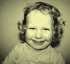 Smiling little girl (bobroy20) Tags: girl smiling fille child kid enfant sourire joie vie france