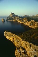 Mallorca, Cap de Formentor (blauepics) Tags: spain spanien espaa katalonien mallorca majorca balearic balearen insel island water wasser mittelmeer mediterranean sea meer rocks felsen stones stein islas baleares