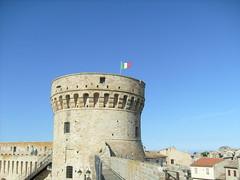 La Rocca di Acquaviva Picena (Antonio0106) Tags: trip friends italy friend italia acquaviva rocca holyday picena me2youphotographylevel1
