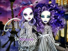 Ghouls of a feather... (Nataloons) Tags: friends white paris tower fashion monster cat de grey high friend doll dress purple handmade stripe eiffel best walmart etsy spectra exclusive mattel alike ghoul mew catrine werecat ghoulfriend scaris demew monsterhigh vondergeist spectravondergeist deisdollhouse catrinedemew uploaded:by=flickrmobile flickriosapp:filter=nofilter