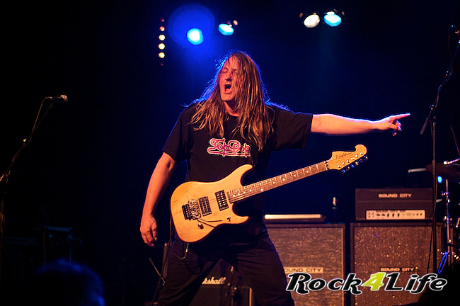 DEO  Rock4Life Tribute to Rock Classics (24)