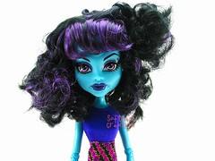 Triclops curly hair (Softness) Tags: doll dolls cam curly fashiondoll curlyhair triclops monsterhigh monsterhighcam