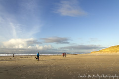 Tullan Strand, Bundoran (linda_mcnulty) Tags: ocean ireland sea people seascape beach water strand canon walking landscape walk wide shore donegal bundoran donegalbay tullanstrand tullan
