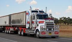 Jollys (quarterdeck888) Tags: nikon flickr transport frosty lorry trucks express kenworth tractortrailer semitrailer bigrig jollys movingpictures tippers haulage quarterdeck heavyvehicles roadtransport bdouble t904 tautliner newellhwy truckies highwaytrucks australiantrucks d5100 jerilderietruckphotos jerilderietrucks