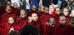 Monks' mealtime (2) (nican45) Tags: slr canon lunch asia burma monk buddhism monastery meal myanmar dslr tamron mandalay amarapura 600d 18270 mahagandayon mahaganayonkyaung mahagandhayon 18270mm eos600d 18270mmf3563diiivcpzd