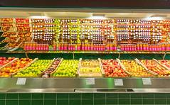 Apples and Drinks - KaDeWe - Berlin (BlueVoter - thanks for 1.5M views) Tags: berlin kadewe kaufhof foodfloor grocery market marche markt apple apfel obst fruit pomme