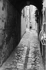 Ragazzino in strada (Tecnovlog) Tags: sigma foveon street photography italy italia sensor cameras merrill dp2 30mm 45mm matelica marche ancona bianco e nero black white