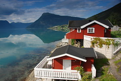 Fjord idyll (DoctorMP) Tags: norway norge norwegia sognogfjordane luster lustrafjorden summer lato fiord fjord gry mountains