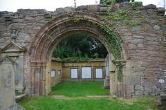 Kinloss Abbey [3] (Rynglieder) Tags: scotland kinloss abbey ruin arch