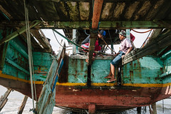 Underside of Kapal Nelayan, Indonesia (AdamCohn) Tags: adamcohn indonesia tuban tubanregency boat fishing fishingboat kapal kapalnelayan ship shipsboats wwwadamcohncom bancar