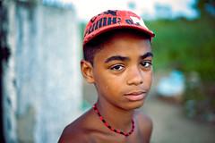 Menino (MURUCUTU) Tags: menino joopessoa brasil brazil brasilien paraiba pb favela s roger kid child murucutu joaopessoa brsil canon portrait documentary