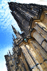 Katedrála Svatého Víta - Hrad III Nádvoří - Hradčany -Prague- (5) (Million Seven) Tags: katedrálasvatéhovíta katedralasvatehovita saintvituscathedral catedraldesanvito vaclavaavojtecha václavaavojtěcha hradiiinádvoří hradiiinadvori pražskýhrad prazskyhrad praguecastle castillodepraga hradcany hradčany praguecastlecomplex complex praha prague praga bohemia czechrepublic repúblicacheca českérepubliky ceskerepubliky castillo castle catedral cathedral academy europa europe church iglesia gothic stainedglass showcase middleages romancatholic princewenceslas wenceslas václav vaclav bishop metropolitan petrparléř peterparler devils monsters gargoyles towers sculptures gotico gótico tombs tumbas bohemian kings holyromanemperors holyromanempire amazing style sky medieval religion capital king architecture arch diagonal imperial nikon nikond3100 millionseven