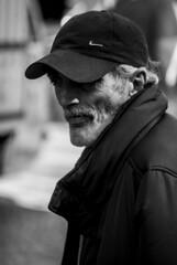 Retrato (Portrait) (A. Paulo C. M. Oliveira) Tags: instantneo snapshot gentes peoples retrato portrait pb pretoebranco bw blackandwhite porto portugal nikon d3000