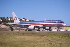 50bq - American Airlines Boeing 757-223; N602AN@SXM;05.02.1999 (Aero Icarus) Tags: plane saintmartin aircraft americanairlines flugzeug sxm avion slidescan boeing757 princessjulianainternationalairport n602an