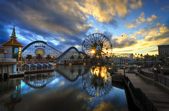 The Sun Wheel At Sunset (WJMcIntosh) Tags: sunset sunwheel disneycaliforniaadventure paradisepier disneylandresort nikond800 nikon142428 funwheel