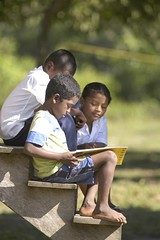 HONDURAS: Children Reading on Step (Global Partnership for Education - GPE) Tags: globalpartnershipforeducation gpe education basiceducation primaryeducation children reading boys books school honduras paulmartinez