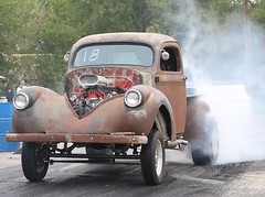 Rat Truck heating up the meats (Bill Jacomet) Tags: river day little drags dragracing 2012 raceway the of