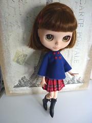 Conjunto de capa, falda y pinzas para Blythe
