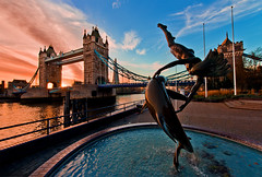 London's Tower Bridge (Tom.Bricker) Tags: sunset london londontowerbridge