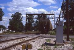 CSX_Weston-OH_NorthEnd_local_EY2002-2 (C Telles) Tags: railroad bridge light ohio color train toledo bo signal position weston csx subdivision