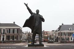 Staatsgreep! (Maurits van den Toorn) Tags: lenin statue communism revolution markt socialism communisme standbeeld socialisme assen revolutie bolsjewieken