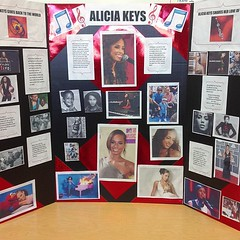 Alicia Keys Report (Clotee Pridgen Allochuku) Tags: california musician square losangeles squareformat africanamericans aliciakeys elementaryschools iphoneography cloteeallochuku clotee californiateachers baldwinhillsmagnetschool beautifulafricanamericans instagramapp uploaded:by=instagram baldwinhillscalifornia baldwinhillsgiftedmagnetschool baldwinhillselementarymagnetschool