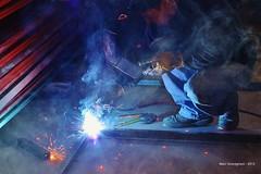 Welder (Grandgi) Tags: light luz metal construction perfil steel weld profile illumination ventanas reflet reflect lumiere reflejo lincoln construccion lunettes spark protection infra tubo metalic profil fer ptr masque acero caramelos puertas chispa eisen welder acier fierro chispas angulos cuadrado funke ferreteria cedula schweissen soldadura soudure forgeron étincelle soldar soudeur illuminé estructural schweisser electrodo électrode soleras marcgrandgirard ferrechiautla ferreteriachiautla plantaparasoldar posteasouder 20130221soldaduraferreteriahector lightnessw schweisswnaht