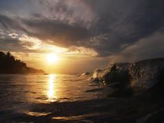 Puerto Viejo (Sergiopac) Tags: costa atardecer mar oleaje rica caribe limón