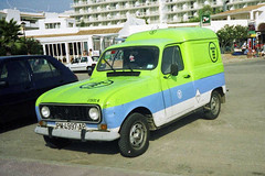 Telefonica PM-4997-AP, Renault 4 in Sa Coma (majorcatransport) Tags: renault4 sacoma telefonicainmajorca