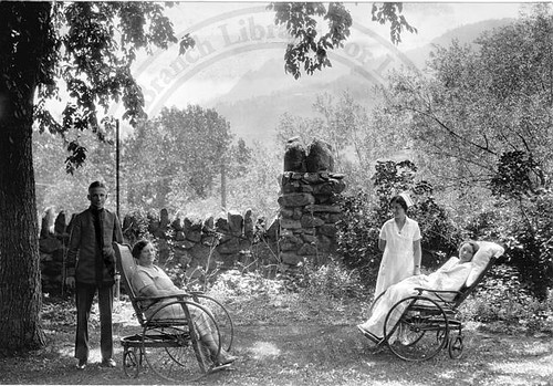 Photo - Historic photo of Boulder Sanitarium patients