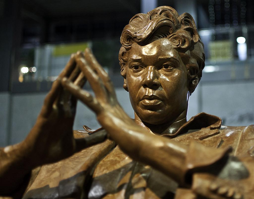 210c1a26075 Barbara Jordan statue at ABIA (jdn) Tags: statue austin airport  barbarajordan austinbergstromairport barbarajordanstatue