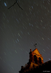 Lluvia de estrellas (A. del Campo) Tags: sky espaa naturaleza azul noche nikon iglesia asturias paisaje caminos cielo estrellas montaa startrails panormica pedrobella