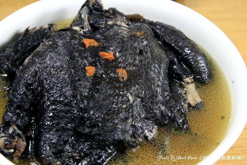 寶島手路菜–傳統烏骨雞湯