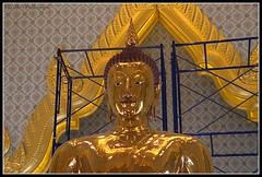 The Golden Buddha (Uccio81) Tags: thailand golden dc buddha sony sigma ob 18200 the fotocamera 3563 uccio81 dslra580