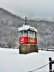 37. 26.03.2013 Lonely cabinet (berttuco) Tags: espaa snow spain nieve liebana teleferico fuented 2013 flickraward cantur flickrandroidapp:filter=none 2013inphotos